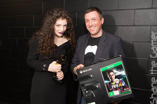 Kiwi musician Lorde and Xbox New Zealand Lead Steven Blackburn with Lorde's new Xbox One