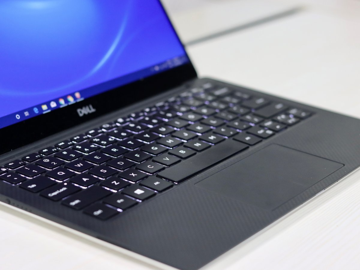 Dell XPS 13 inch 2019 Laptop