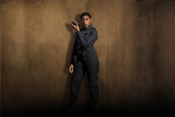 Lashana Lynch with Nokia device